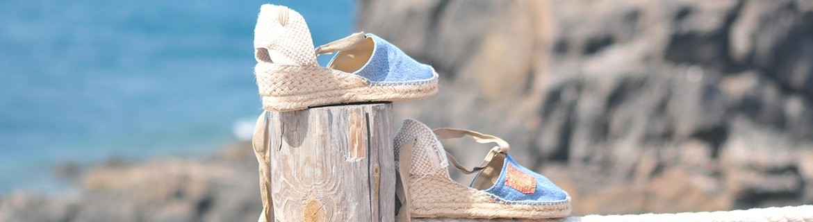 Handmade women's espadrilles cut and sewn entirely by hand from blue Jeans LEVI'S vintage remaked and with jute sole